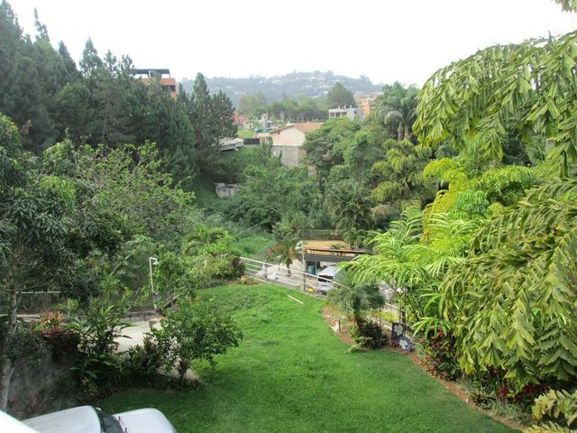 Casa Distrito Metropolitano>Caracas>La Union - Venta:138.137.000.000 Bolivares - codigo: 15-8181