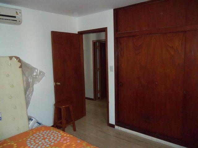 Apartamento Distrito Metropolitano>Caracas>Los Palos Grandes - Venta:188.089.000.000 Precio Referencial - codigo: 15-8188