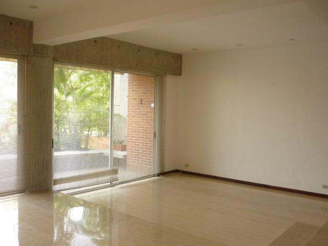 Apartamento Distrito Metropolitano>Caracas>San Roman - Venta:1.200.000 Precio Referencial - codigo: 15-8233