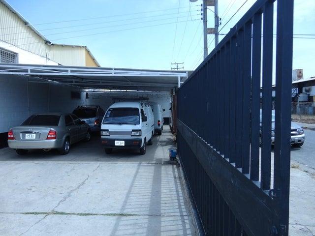 Galpon - Deposito Carabobo>Valencia>La Quizanda - Venta:596.000.000 Bolivares - codigo: 15-8292