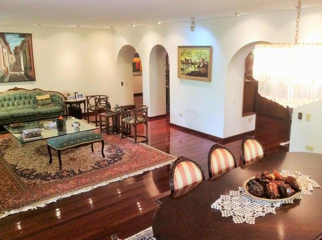 Apartamento Distrito Metropolitano>Caracas>Los Palos Grandes - Venta:152.752.000.000 Bolivares Fuertes - codigo: 15-8315