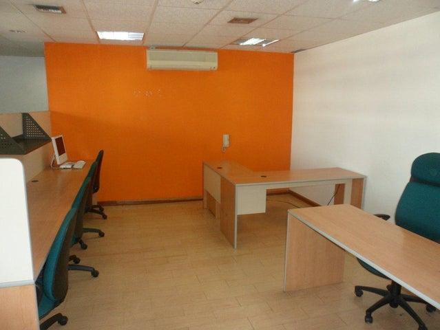 Oficina Distrito Metropolitano>Caracas>Los Palos Grandes - Venta:420.000 Precio Referencial - codigo: 15-8333