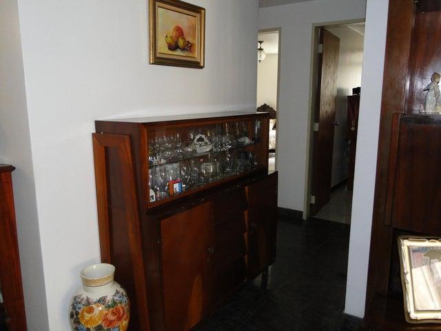 Apartamento Distrito Metropolitano>Caracas>Los Palos Grandes - Venta:91.609.000.000 Precio Referencial - codigo: 15-8377