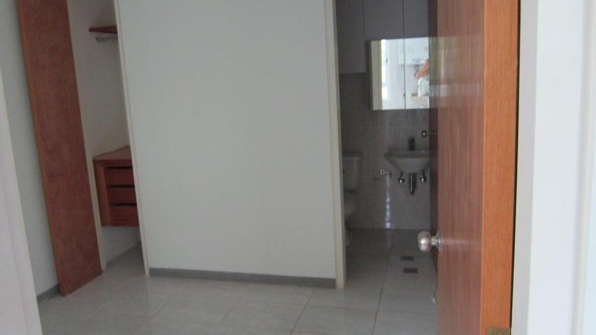 Apartamento Distrito Metropolitano>Caracas>Los Chorros - Venta:750.000 US Dollar - codigo: 15-8392