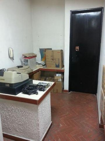 Local Comercial Distrito Metropolitano>Caracas>Chacao - Venta:183.218.000.000 Precio Referencial - codigo: 15-8513