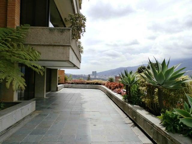 Apartamento Distrito Metropolitano>Caracas>Chulavista - Venta:346.640.000.000 Precio Referencial - codigo: 15-8455