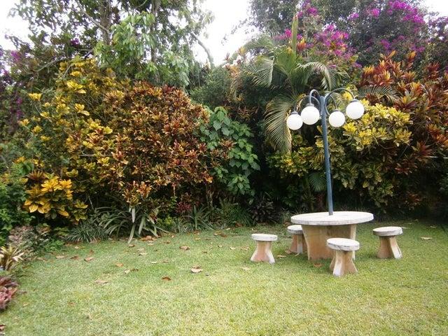 Apartamento Distrito Metropolitano>Caracas>Oripoto - Venta:56.397.000.000 Bolivares Fuertes - codigo: 15-8822