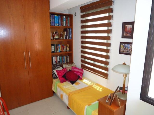 Apartamento Miranda>San Antonio de los Altos>Las Minas - Venta:121.137.000.000 Precio Referencial - codigo: 15-8624