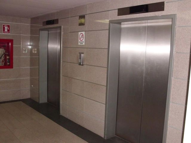 Consultorio Medico  Distrito Metropolitano>Caracas>San Bernardino - Venta:15.842.000.000 Bolivares - codigo: 15-8700