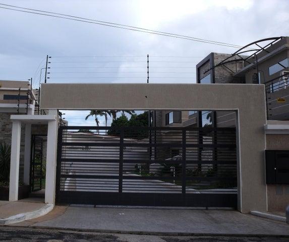Townhouse Bolivar>Ciudad Bolivar>Andres Eloy Blanco - Venta:0 Bolivares Fuertes - codigo: 15-4886