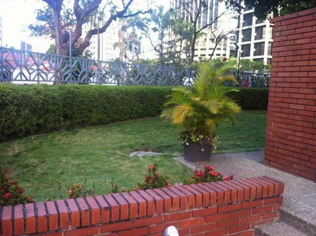 Apartamento Distrito Metropolitano>Caracas>La Castellana - Venta:80.767.000.000 Bolivares Fuertes - codigo: 15-8713