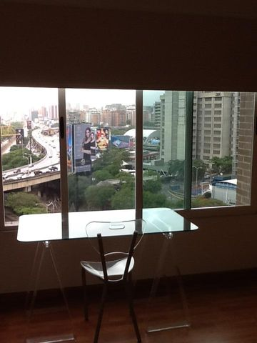Apartamento Distrito Metropolitano>Caracas>Lomas de Las Mercedes - Venta:200.302.000.000 Precio Referencial - codigo: 15-8739