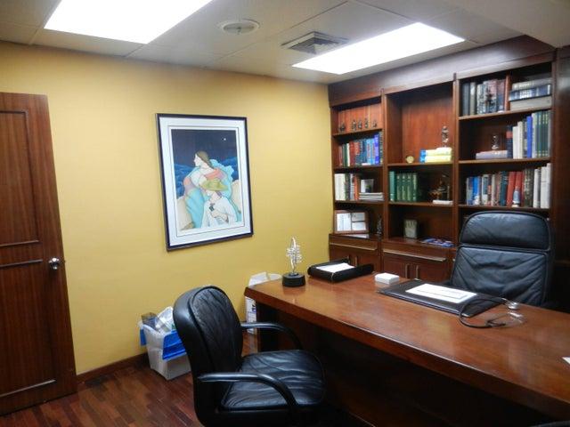 Apartamento Distrito Metropolitano>Caracas>San Bernardino - Venta:61.073.000.000 Precio Referencial - codigo: 15-8799