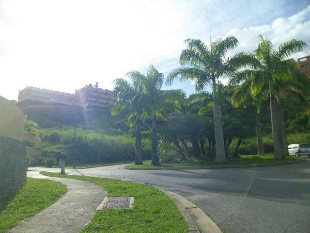 Townhouse Distrito Metropolitano>Caracas>Loma Linda - Venta:22.514.000 Precio Referencial - codigo: 15-8813