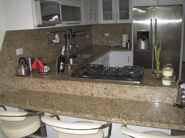 Apartamento Distrito Metropolitano>Caracas>El Encantado - Venta:45.000 Precio Referencial - codigo: 15-8855
