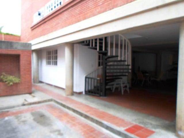 Casa Distrito Metropolitano>Caracas>Colinas de La Tahona - Venta:198.609.000.000 Bolivares - codigo: 15-8846