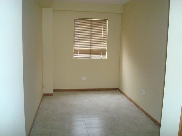 Apartamento Zulia>Maracaibo>Valle Frio - Venta:30.536.000.000 Precio Referencial - codigo: 15-8936