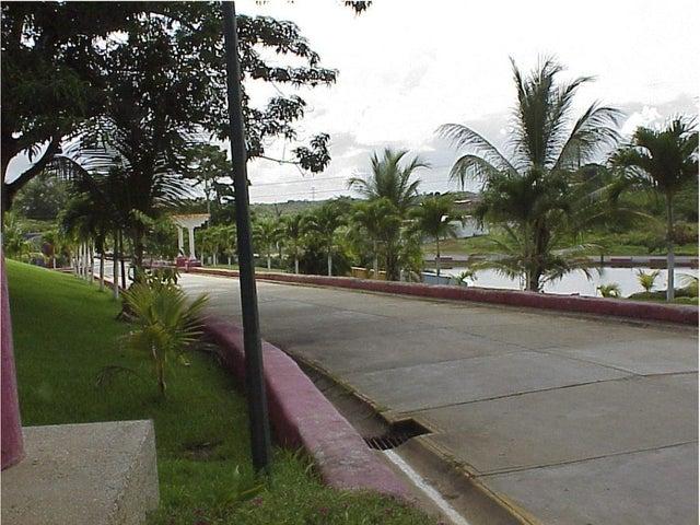 Terreno Miranda>Tacarigua>Tacarigua - Venta:1.274.000.000 Bolivares - codigo: 15-8989