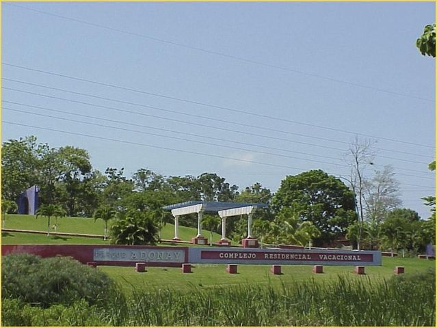 Terreno Miranda>Tacarigua>Tacarigua - Venta:3.160.000.000 Precio Referencial - codigo: 15-8996