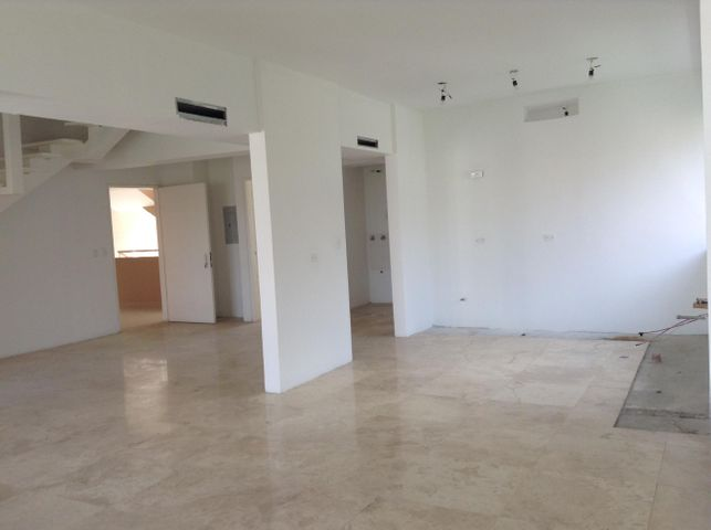 Apartamento Distrito Metropolitano>Caracas>El Rosal - Venta:288.606.000.000 Precio Referencial - codigo: 15-9062