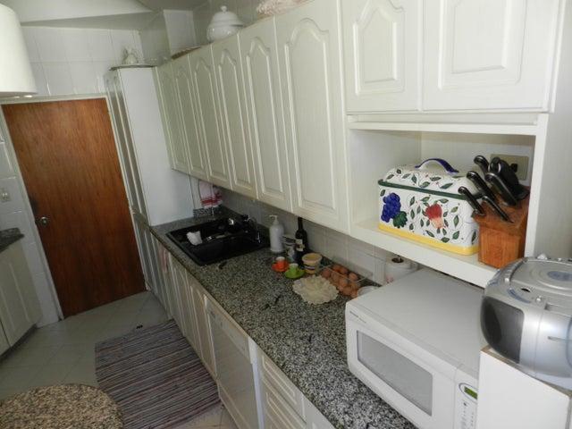 Apartamento Distrito Metropolitano>Caracas>Las Esmeraldas - Venta:159.630.000.000 Precio Referencial - codigo: 15-9080
