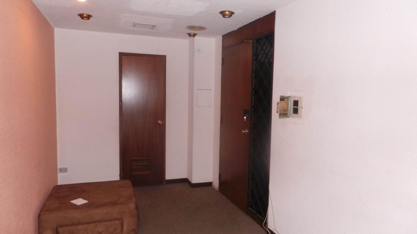 Oficina Distrito Metropolitano>Caracas>Chuao - Venta:143.521.000.000 Precio Referencial - codigo: 15-9246
