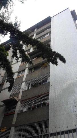 Local Comercial Distrito Metropolitano>Caracas>San Bernardino - Venta:37.618.000.000 Precio Referencial - codigo: 15-9279