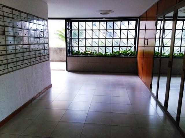 Apartamento Distrito Metropolitano>Caracas>La Bonita - Venta:19.237.000.000 Bolivares Fuertes - codigo: 15-9282