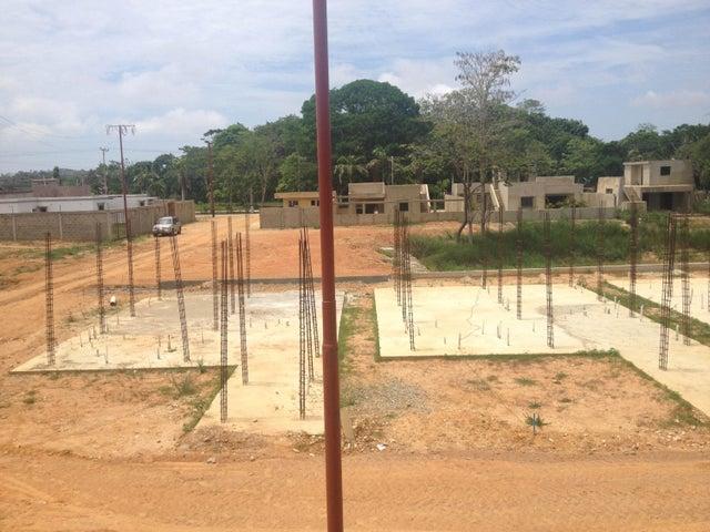 Terreno Miranda>Tacarigua>Tacarigua - Venta:5.786.000.000 Precio Referencial - codigo: 15-9317
