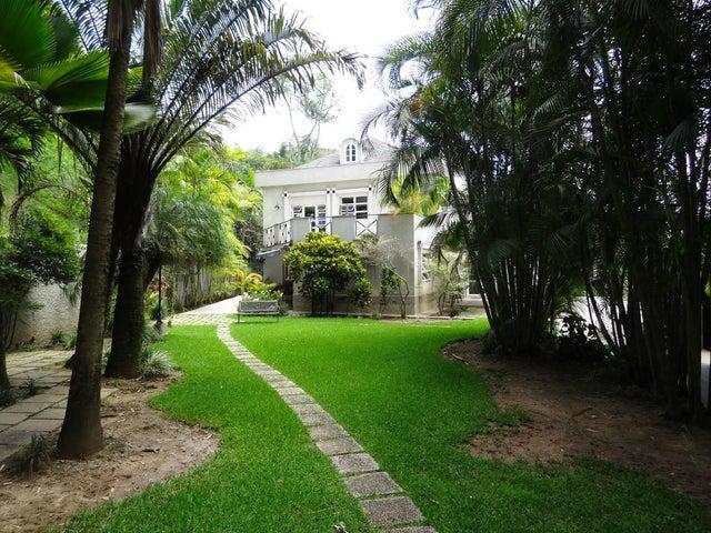 Casa Distrito Metropolitano>Caracas>Colinas del Tamanaco - Alquiler:1.155.000.000 Bolivares - codigo: 15-9390