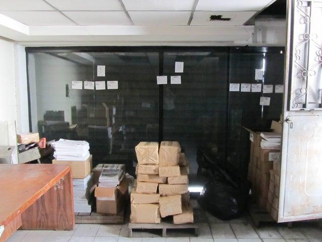Galpon - Deposito Distrito Metropolitano>Caracas>Petare - Venta:1.008.407.000.000 Precio Referencial - codigo: 15-9395