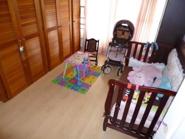 Apartamento Distrito Metropolitano>Caracas>Terrazas del Club Hipico - Venta:94.044.000.000 Precio Referencial - codigo: 15-9526