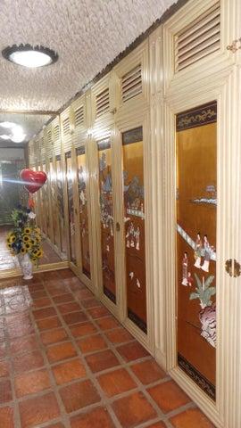 Casa Distrito Metropolitano>Caracas>Vista Alegre - Venta:109.018.000.000 Bolivares - codigo: 15-9428