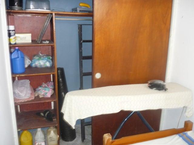 Casa Distrito Metropolitano>Caracas>Prados del Este - Venta:40.000.000.000 Bolivares - codigo: 15-9683