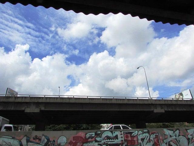 Terreno Distrito Metropolitano>Caracas>Bello Monte - Venta:2.901.846.000.000 Precio Referencial - codigo: 15-9467