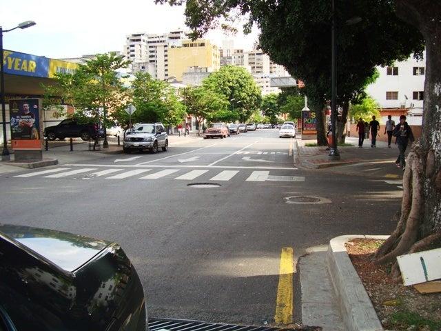 Terreno Distrito Metropolitano>Caracas>La Castellana - Venta:860.007.000.000 Bolivares - codigo: 15-9477
