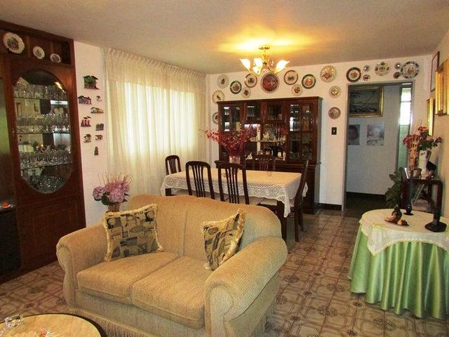 Apartamento Distrito Metropolitano>Caracas>El Cafetal - Venta:20.721.000.000 Bolivares Fuertes - codigo: 15-9489