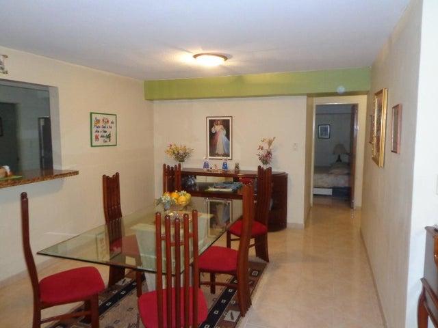 Apartamento Distrito Metropolitano>Caracas>El Cigarral - Venta:30.255.000.000 Bolivares Fuertes - codigo: 15-9505