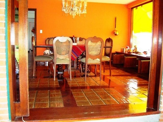 Casa Distrito Metropolitano>Caracas>La Lagunita Country Club - Venta:232.076.000.000 Precio Referencial - codigo: 15-9494