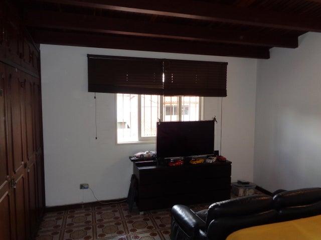 Casa Distrito Metropolitano>Caracas>Los Naranjos del Cafetal - Venta:279.546.000.000 Precio Referencial - codigo: 15-9479