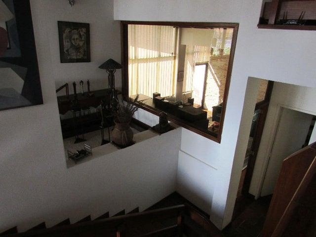 Casa Distrito Metropolitano>Caracas>Macaracuay - Venta:110.852.000.000 Bolivares Fuertes - codigo: 15-9523