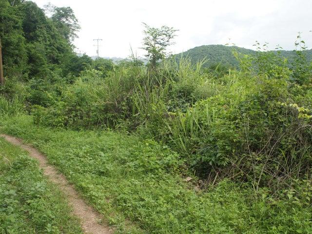 Terreno Distrito Metropolitano>Caracas>El Hatillo - Venta:9.161.000.000 Precio Referencial - codigo: 15-9525