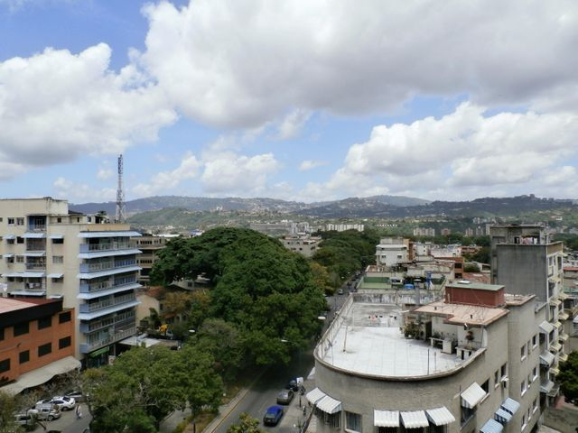Apartamento Distrito Metropolitano>Caracas>La Carlota - Venta:68.539.000.000 Precio Referencial - codigo: 15-9660