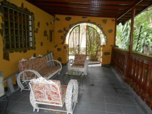 Casa Aragua>Maracay>El Castaño - Venta:13.579.000.000 Bolivares - codigo: 15-9648