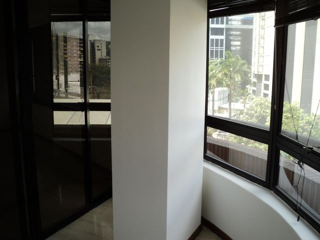 Apartamento Distrito Metropolitano>Caracas>Campo Alegre - Venta:29.375.000.000 Bolivares Fuertes - codigo: 15-9269