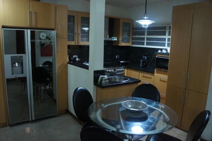 Apartamento Distrito Metropolitano>Caracas>El Rosal - Venta:51.912.000.000 Precio Referencial - codigo: 15-9925