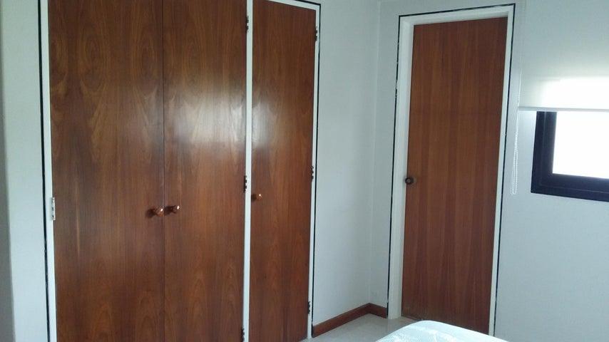 Apartamento Distrito Metropolitano>Caracas>Los Caobos - Venta:18.047.000.000 Bolivares Fuertes - codigo: 15-9984