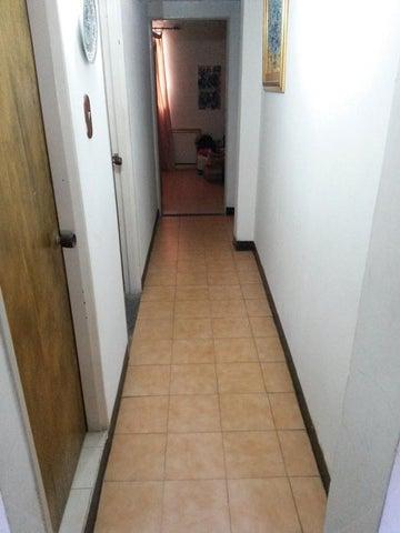 Casa Distrito Metropolitano>Caracas>La California Norte - Venta:291.782.000 Precio Referencial - codigo: 15-9983
