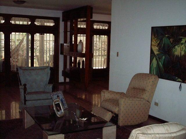 Casa Distrito Metropolitano>Caracas>Santa Paula - Venta:325.491.000.000 Precio Referencial - codigo: 15-10031