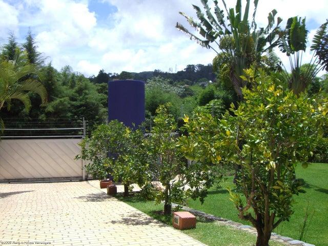 Casa Distrito Metropolitano>Caracas>Monte Elena - Venta:92.377.000.000 Bolivares Fuertes - codigo: 15-10041
